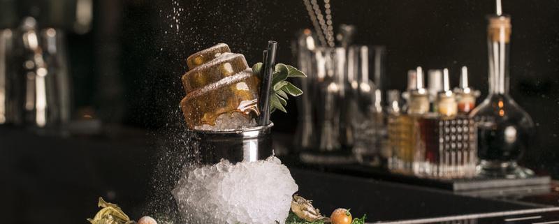 Smoked Julep Cocktail Bar Hielo y Carbón